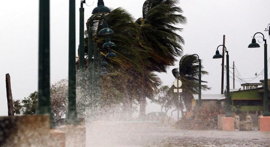 En indsamling skal hjælpe ofre for de orkaner, der har hærget De Amerikanske Jomfruøer de seneste uger.