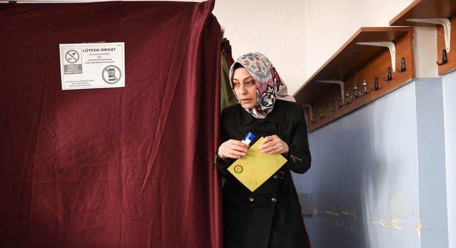 Billede fra folkeafstemningen i Tyrkiet.