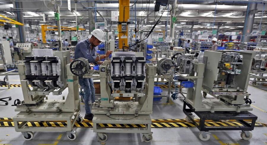 Schneider Electric Infrastructure Ltd. i Gujarat, Indien, 5. november, 2015.