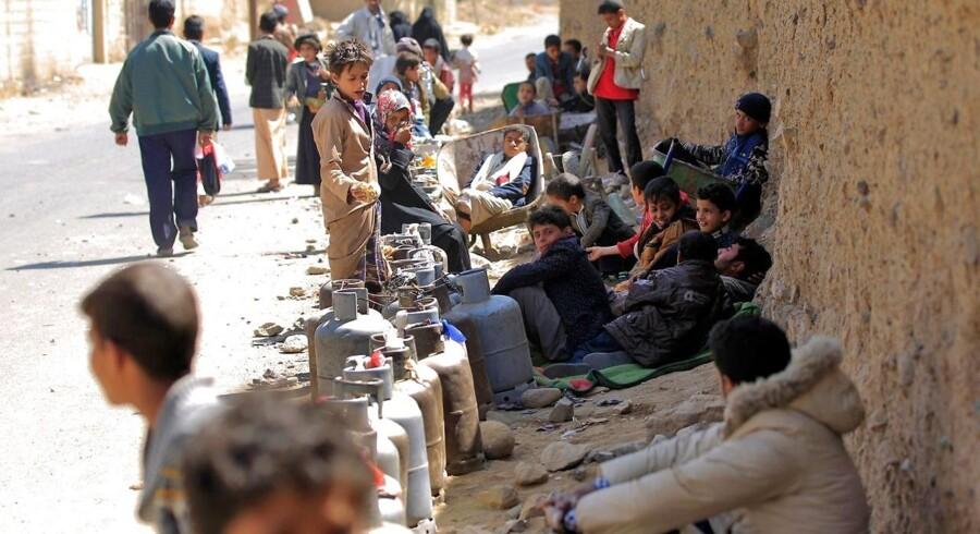 Arkivfoto. Mellemøstens fattigste land er på bristepunktet. Kampene mellem de krigsførende parter i Yemen tager til, mens koleraudbrud og hungersnød rammer civilbefolkningen