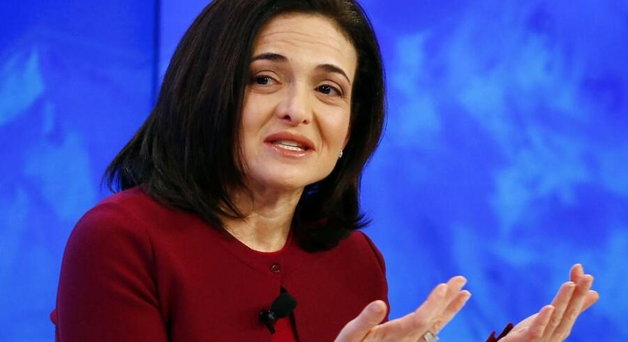 Sheryl Sandberg har i mange år arbejdet for kvinders rettigheder og mistede sidste år sin mand. Nu bruger hun af sin Facebook-formue til at støtte begge formåk. Arkivfoto: Ruben Sprich, Reuters