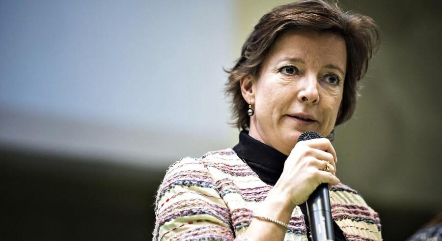 Fungerende sundhedsminister Karen Ellemann (V) ønsker en kulegravning af akuttelefonen.