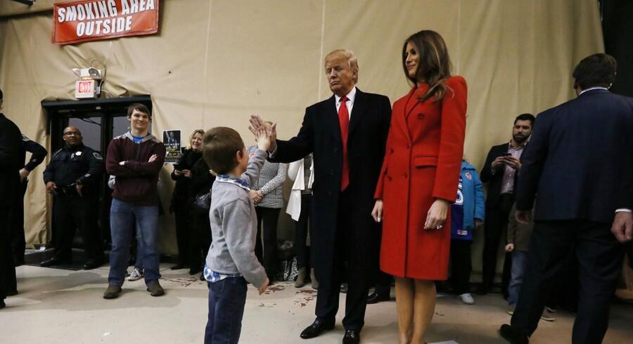 Donald Trump får ifølge amerikanske mediers optællinger 24 procent af stemmerne i Iowa, mens Ted Cruz sikrer sig statens støtte med 28 procents opbakning.