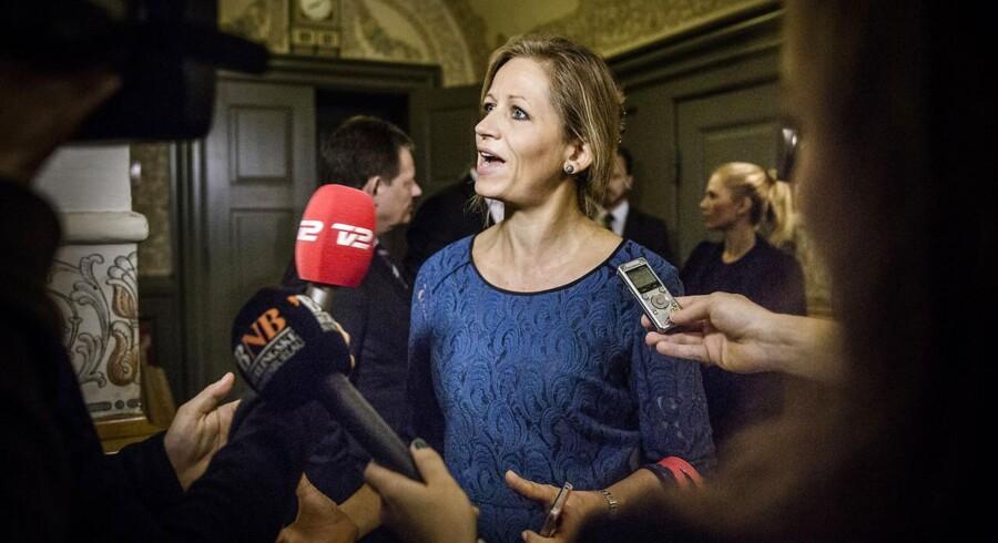 DFs forsvarsordfører Marie Krarup er en af de politikere, som har valgt at vise Muhammed-tegningerne.