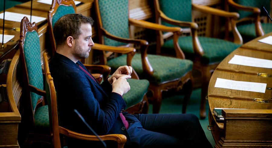 Morten Østergaard (B) under spørgetime med statsminister Lars Løkke Rasmussen (V) i Folketinget, tirsdag den 27. februar 2018. (Foto: Liselotte Sabroe/Scanpix 2018)