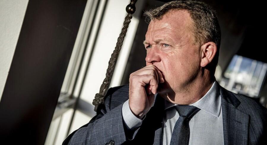 Efter en stille weekend står statsminister Lars Løkke Rasmussen (V) over for en uge med store udfordringer, da deadline for finansloven nærmer sig med hastige skridt.