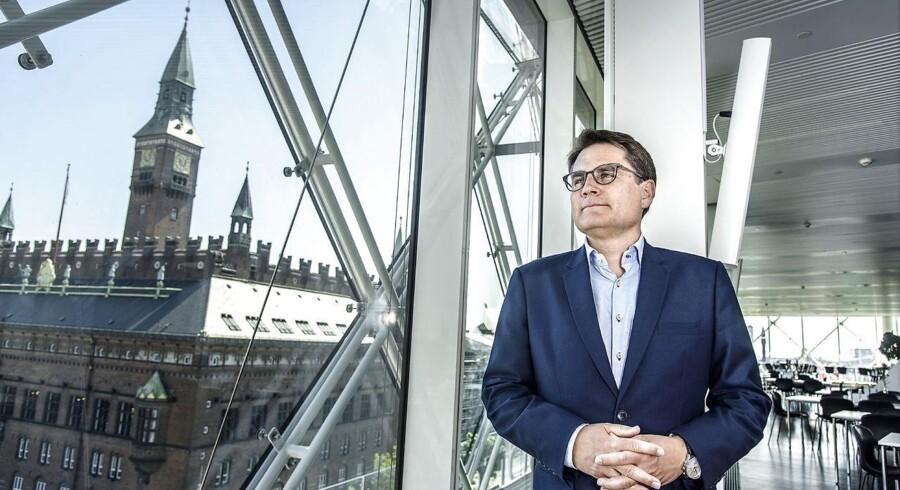 Erhvervsminister Brian Mikkelsen står i spidsen for regeringens nye storstilede indsats for kommunerne i hovedstadsområdet. Arbejdsgruppen involverer seks ministerier og skal aflevere et samlet bud på en hovedstadspolitik ultimo 2018 eller primo 2019.