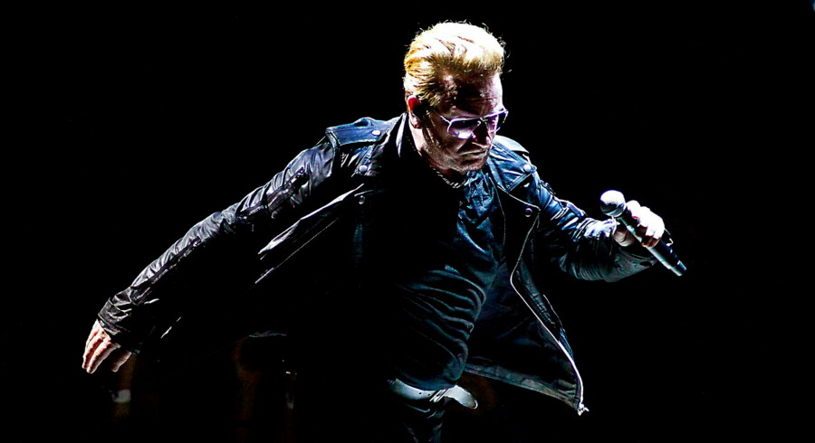 Bono i front for U2, der til december udsender nyt album.