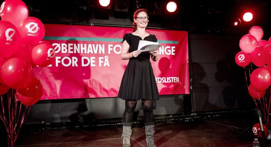 Spidskandidaten Ninna Hedeager (Ø) holder tale i forbindelse med, at Enhedslisten København holder valgfest.