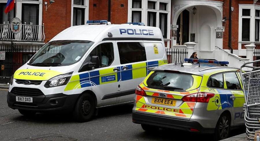 Fem personer er blevet overhældt med syre. Arkivbillede. Britain May 20, 2017. REUTERS/ Peter Nicholls