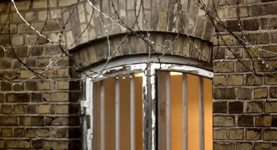 Danmark varetægts- og isolationsfængsler mindreårige i alt for lang tid.