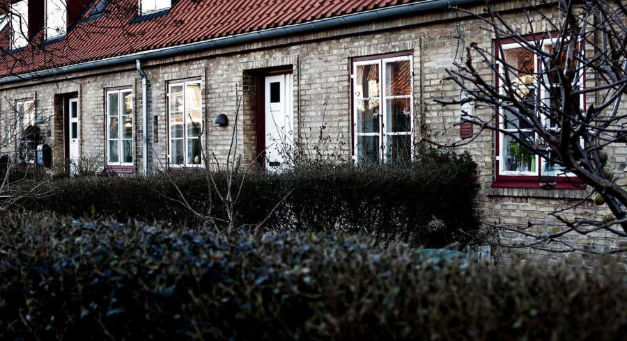 Priserne på huse er steget mere end priserne på ejerlejligheder det seneste år, viser nye tal fra ejendomsmæglerkæden Home.