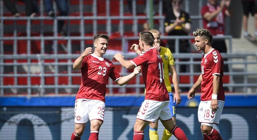 U21-landsholdet og landstræner Niels Frederiksen flyver tirsdag aften til Krakow, hvor holdet har base under EM-slutrunden. Scanpix/9290 Björn Lindgren/tt