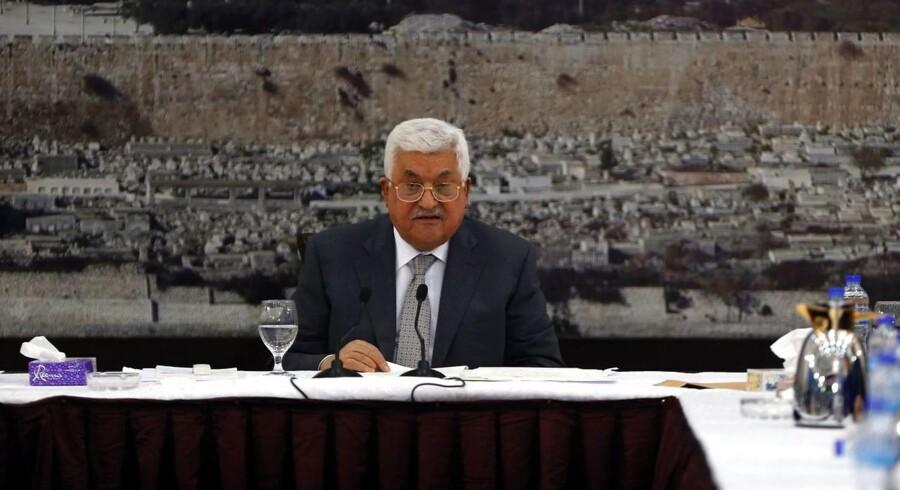 Den palæstinensiske præsident, Mahmoud Abbas siger, at de palæstinensiske ledere vil indstille alle kontakter med Israel på alle niveauer. / AFP PHOTO / ABBAS MOMANI
