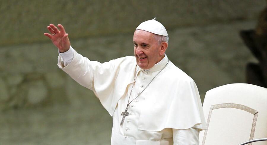 Arkivfoto: Pave Frans overraskede fredag 20 tidligere prostituerede, da han bankede på deres dør i Rom for at få en snak med dem.