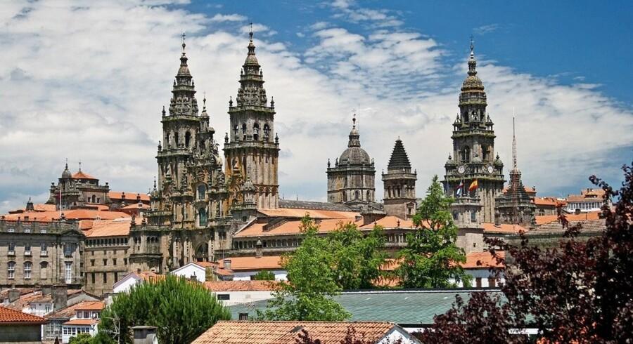 Danskerne elsker at rejse til Tenerife og Gran Canaria, men Spaniens turistbureau vil ånde vores øjne for andre dele af landet. Her er det Santiago de Compostela. Foto: PR/Spain.info