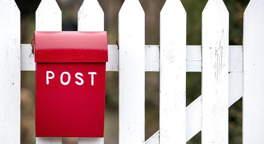 Post Danmark får en bøde på 2,5 millioner kroner for ikke at leve op til kvalitetskravene til omdeling af breve og pakker.