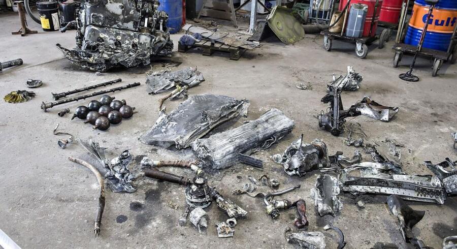 Der blev fundet et tysk kampfly fra 2. verdenskrig, en Messerschmidt M109, på en mark vest for Birkelse i Nordjylland. Her ses nogle af de vragresterne.