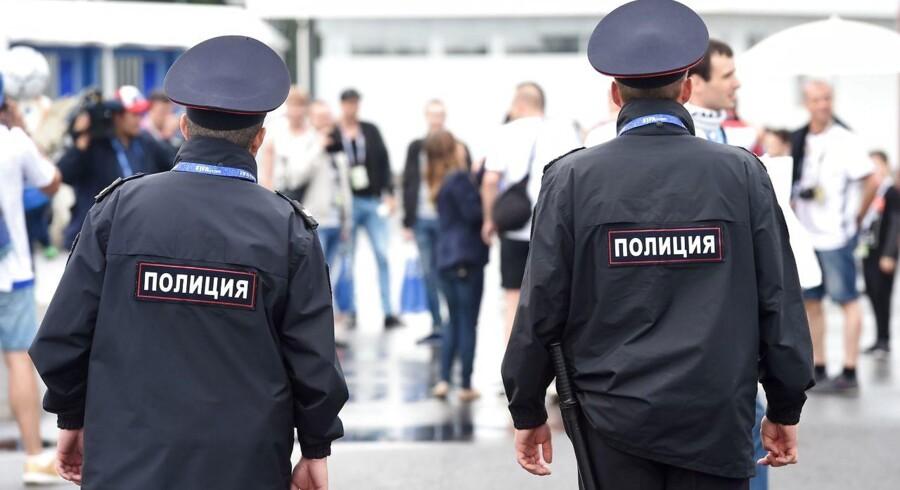 Russisk politi undersøger lige nu et ægtepar. De er mistænkt for at være kannibaler. AFP PHOTO / Patrik STOLLARZ