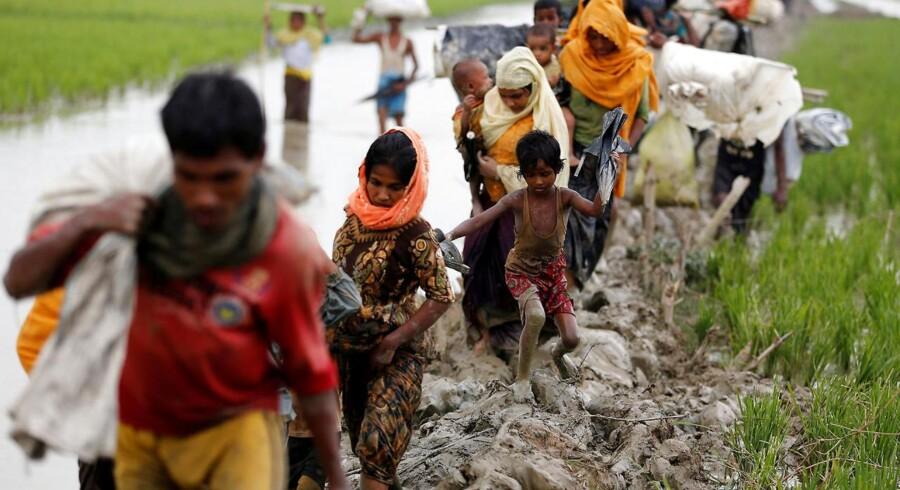 De seneste ti dage er op mod 90.000 medlemmer af det muslimske rohingya-mindretal flygtet fra Myanmar til Bangladesh. Det viser nye tal fra nødhjælpsgrupper - deriblandt FN.