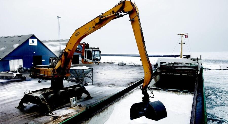 Salt til vinterglatte veje er en af de ting, der passerer gennem Køge Havn.