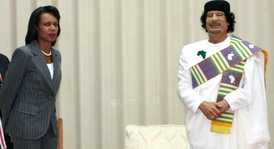Det var under dette besøg i Tripoli i 2008, at Condoleezza Rice fik Gaddafis fascination at føle i form af en video og sang tilegnet hende.