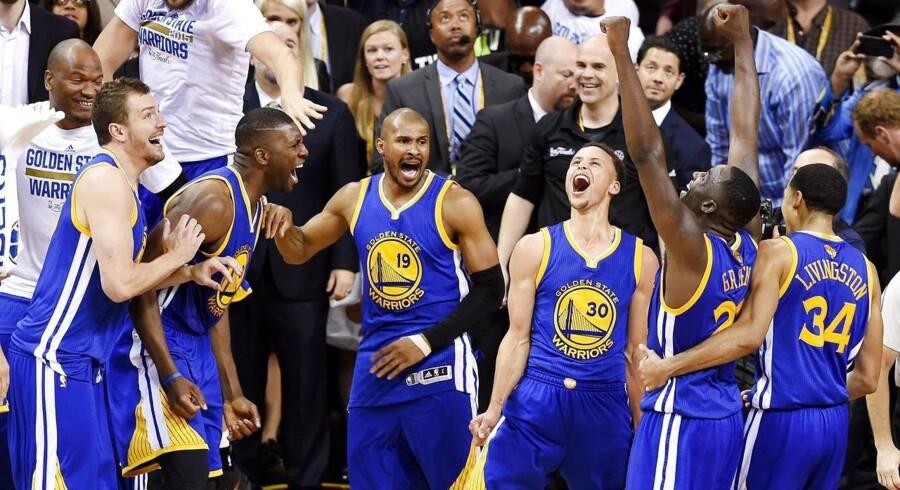 Efter 40 års tørke lykkedes det Golden State Warriors at vinde NBA-mesterskabet.