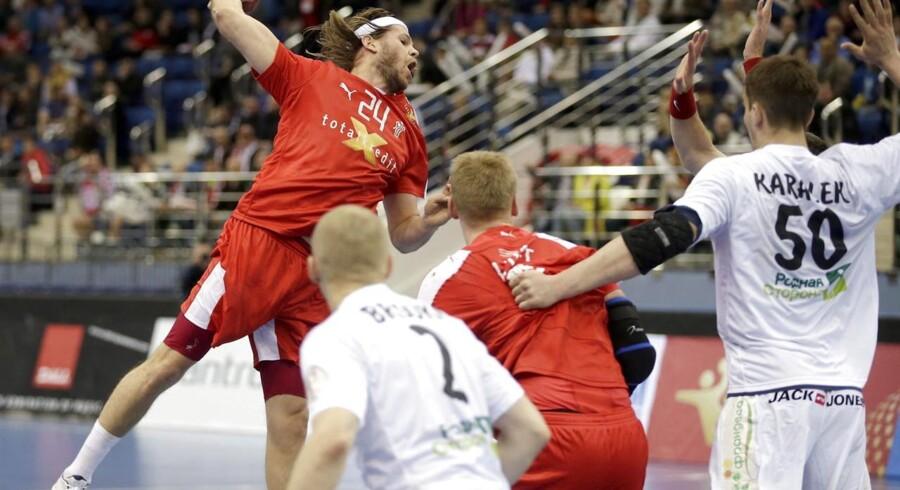 De danske håndboldspillere Mikkel Hansen og René Toft Hansen har fået en plads på årets hold i Champions League.
