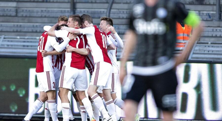 Fra 1. juli er det slut med Superliga-kampe på Canal 8. Nu kan flere af kampene i stedet ses på den nye tv-kanal Eurosport Danmark.