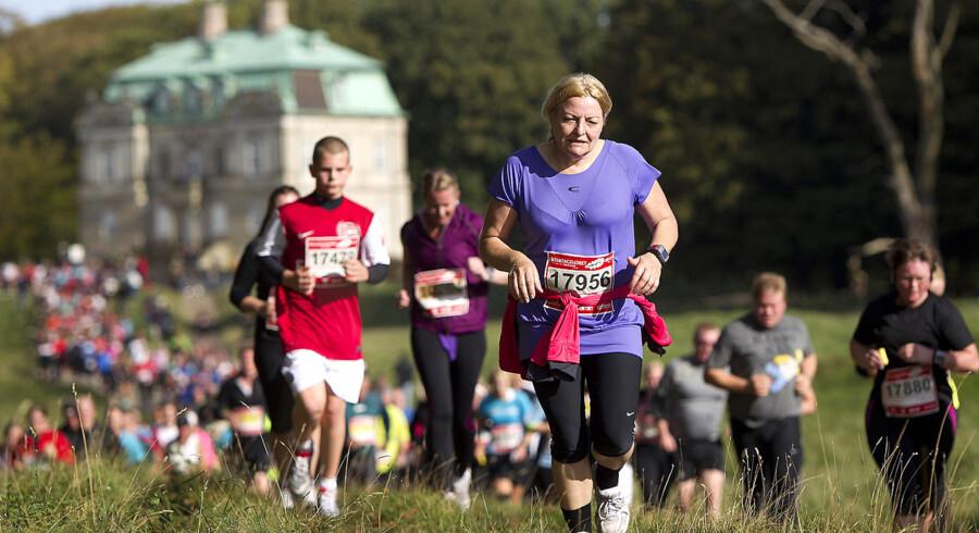 Omkring 19.000 løb søndag 13,3 km i årets Eremitageløb. Hurtigt, langsomt, garvede og debutanter.