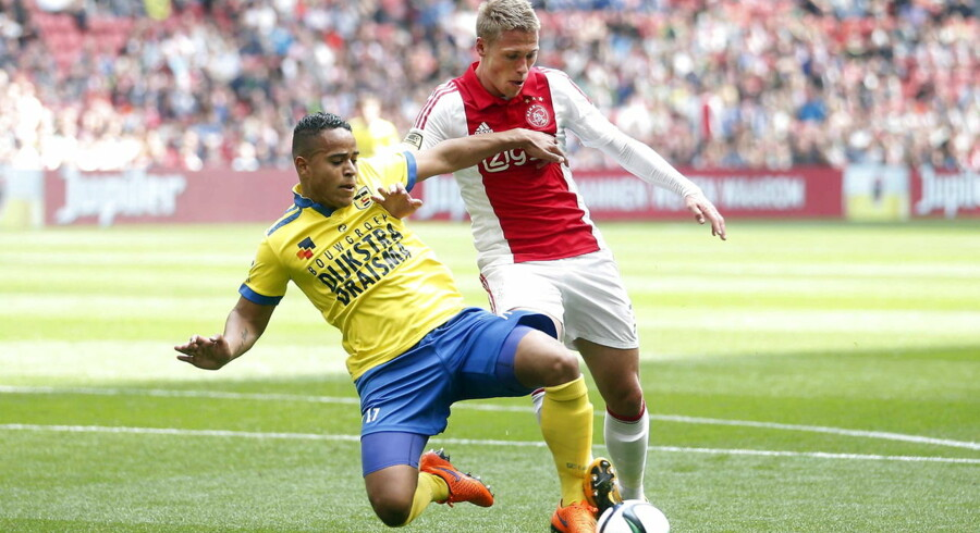 Viktor Fischer kom søndag på måltavlen for Ajax, men holdet endte med at tabe 2-1 til Dordrecht.