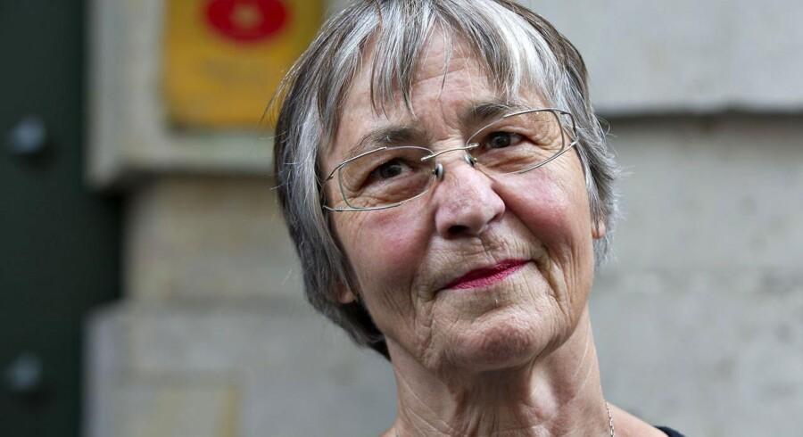 Psykolog Merete Lindholm vil ikke bryde sin tavshedspligt i forbindelse med hendes tidligere klient, en militærtolks, udsagn om, hvad der skete i Kandahar i Afghanistan tilbage i 2002, da danske jægersoldater var udsendt. Tolken påstår, at danske soldater udleverede fanger til amerikanske soldater, der torturerede dem.