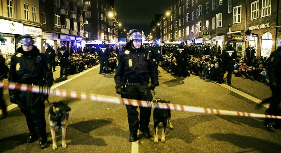 Politiet anholdt op til 400 personer i forbindelse med den store klimademonstration, der havde Bella Centret som destination.
