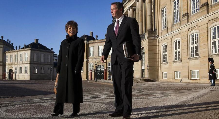 Bob Maquire og Yoshino Nakajima fra Home Instead, der måske snart begynder at udbyde hjemmehjælp til danske ældre