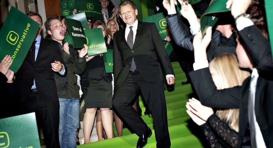 K-leder Lars Barfoed ankommer til de Konservatives fest efter det sløjeste valgresultat i mands minde.