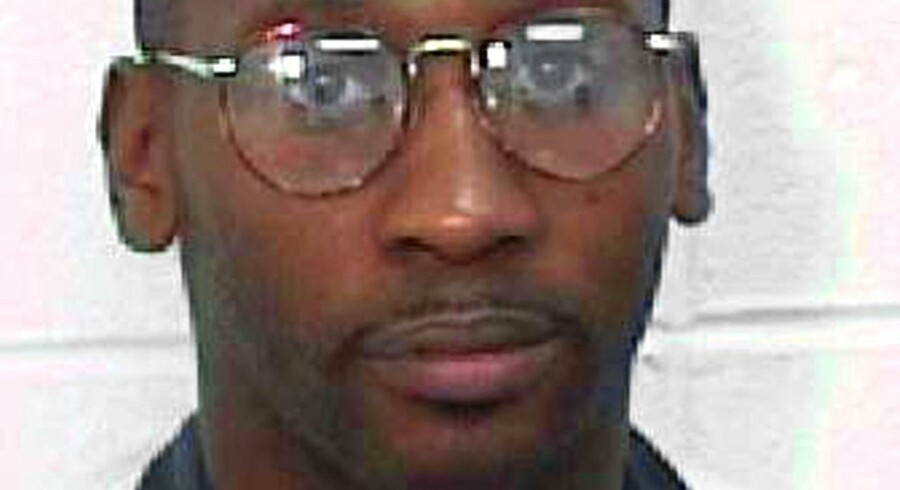 Tidligt torsdag dansk tid blev den dømte politimorder Troy Davis henrettet med en dødbringende sprøjte.