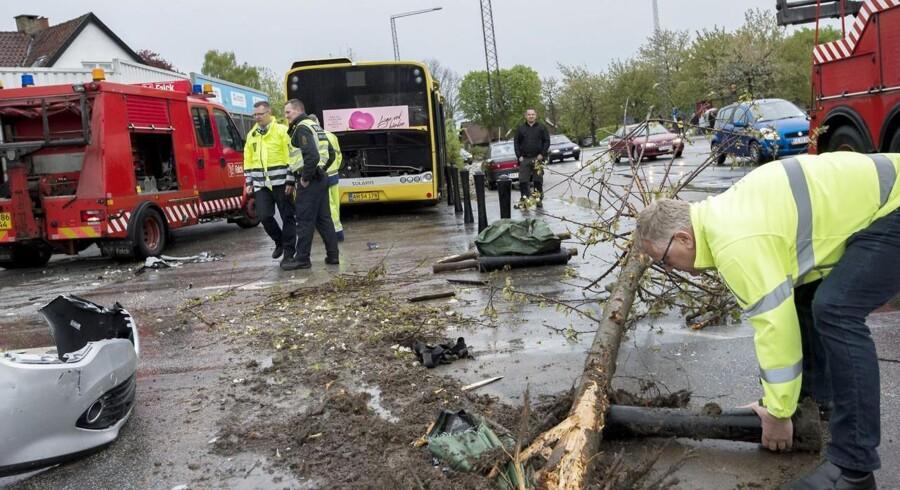 28 personer måtte en tur på skadestuen efter ulykke på Hasle Torv i Aarhus.