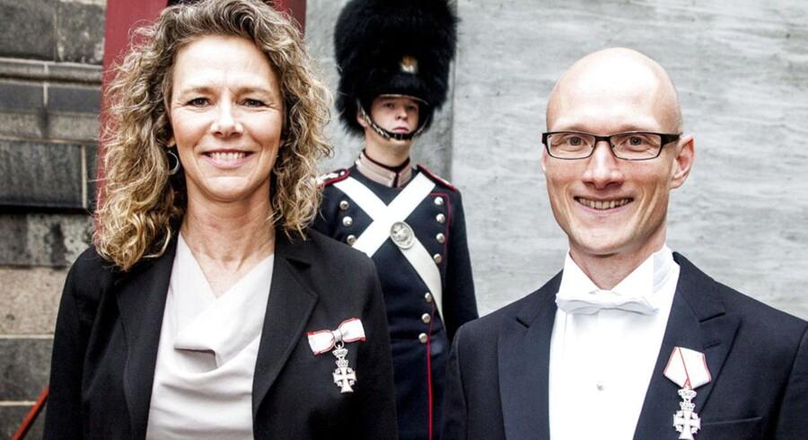 Susanne Veiga og Johannes Martin Fenger, begge kontorchefer hos Folketingets Ombudsmand, takkede for ridderkorset.