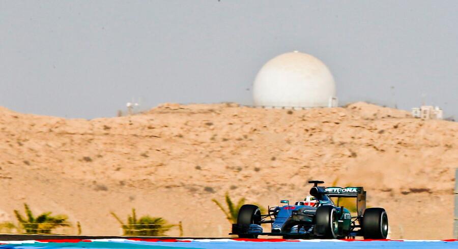 Lewis Hamilton på banen i Bahrain.
