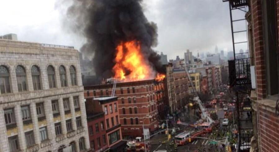 Bygning kollapset i New York - op mod 30 tilskadekomne. REUTERS/Scott Westerfeld