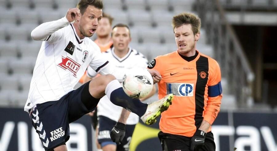 AGF slog Roskilde 1-0 på et mål af Danny Olsen efter assist af Kim Aabech.