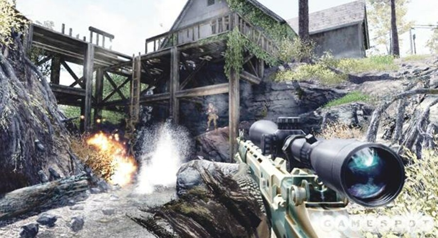 I »Call of Duty: Modern Warfare« kæmper man sig gennem en række krigsscenarier, og det meste beskues gennem et sigtekorn. Spillet er i sin egenskab af en af Breiviks favoritter pillet af flere butikshylder i Oslo. Men tog galningens »korstog« udgangspunkt i computerspil? Billede fra spillet.