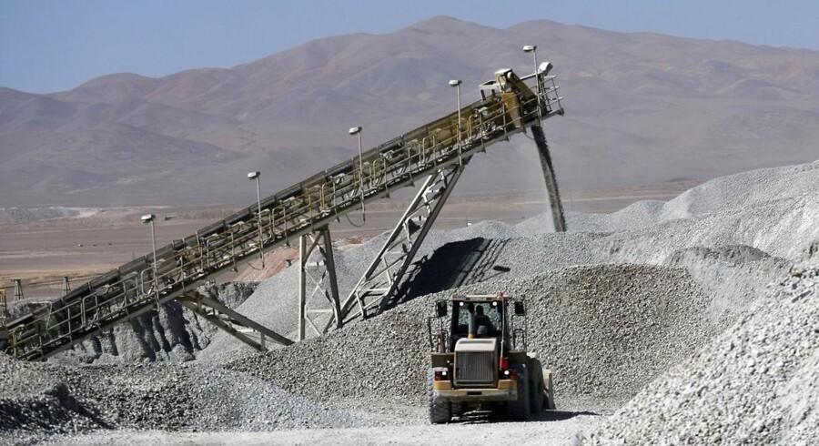 Kobber bruges i både industrien og byggeriet, og prisen afspejler forventningerne til den økonomiske udvikling. Her er det verdens største kobbermine, Escondida i Chile.