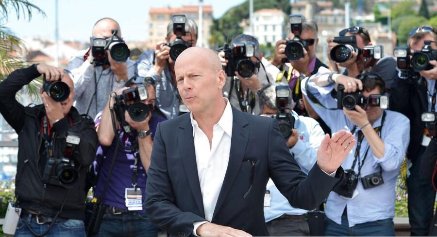 Actionhelten Bruce Willis, der er kendt fra blandt andet »Die Hard«, »Den Sjette Sans«, »Det femte element« og »Twelve Monkeys«, fylder 60 år torsdag d. 19 Marts. Se med her, og få et tilbageblik på højdepunkterne i hans karriere.