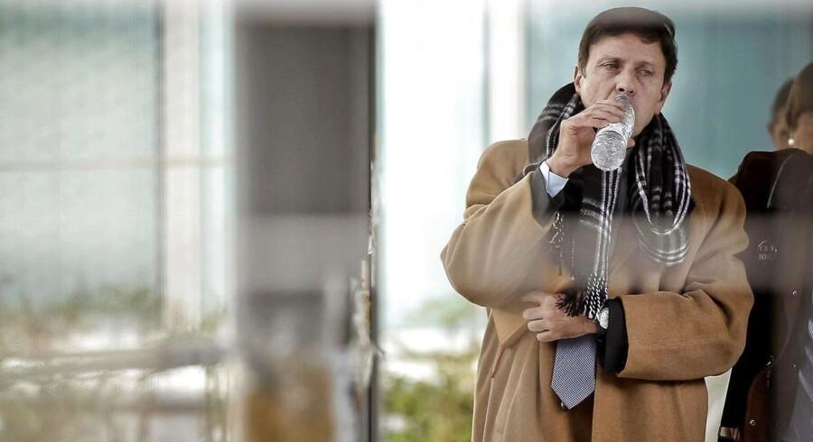 Den notorisik pressesky Fuentes fotograferet udenfor en retssal i februar 2013, hvor han var tiltalt for sin andel i dopingaffæren Operacion Puerto