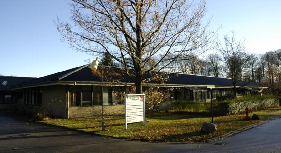 Den unge kvinde bor her på bostedet Bøgelunden i Rudersdal Kommune.