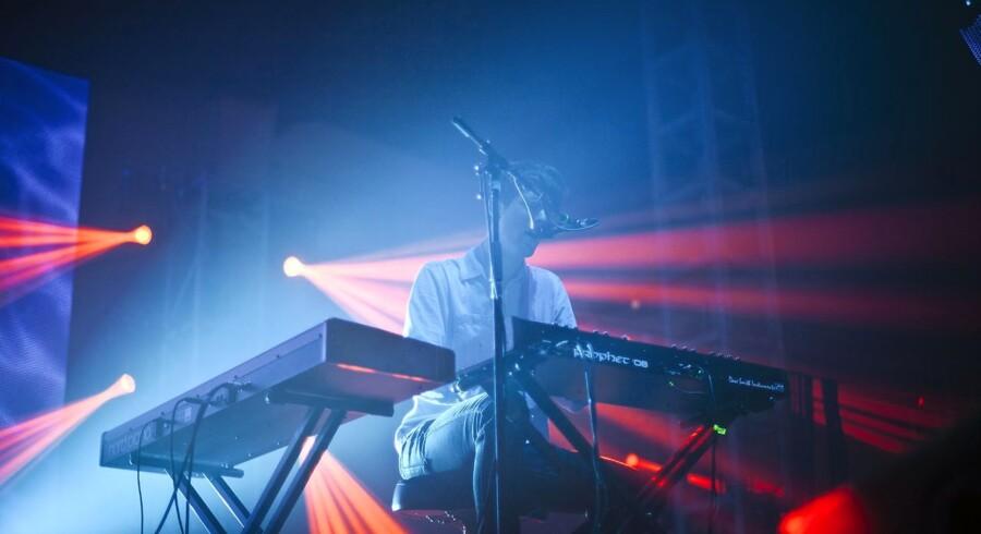 James Blake spillede på Cosmopol Scenen på Roskilde Festival 2011.