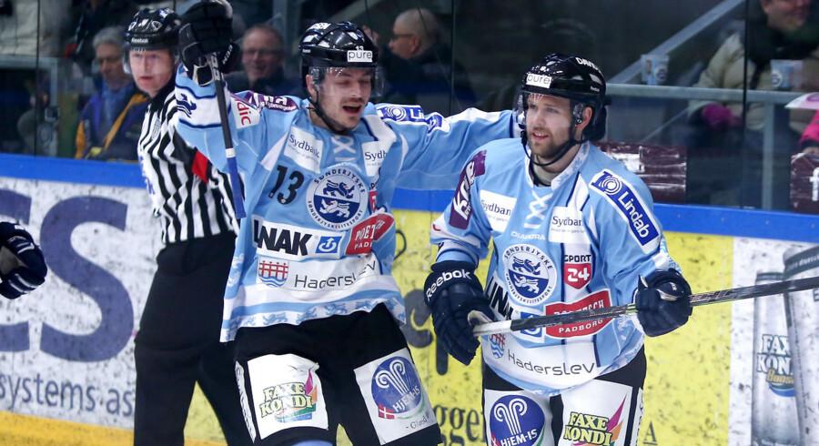 Mads Lund, tv., og Jarmo Jokila er igen på vinderkurs. Billedet er fra søndagens pokalfinale mod Herning Blue Fox.