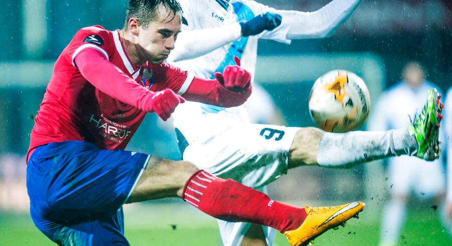 Emil Berggreen oplever stor succes i sin nye tyske klub Braunschweig, hvor han senest scorede mod Rasenball Leipzig. Her kæmper han i sin tidligere Hobro-trøje.