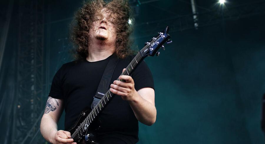 """Svenske Opeth spillede mestendels for sig selv, amerikanske Korn lød mere som en festivaludgave af Take That end som den kanonkugle, de var i halvfemserne. Og på deres globale afskedsturné lød og lignede Rob Halford og co. karakterer fra spoof-filmen """"Spinal Tap""""."""